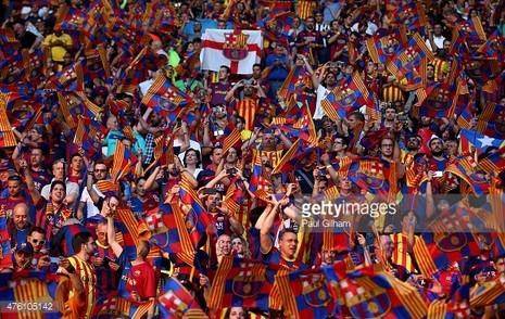 Barcelona bị UEFA phạt 30 ngàn euro vì đòi…ly khai - ảnh 1