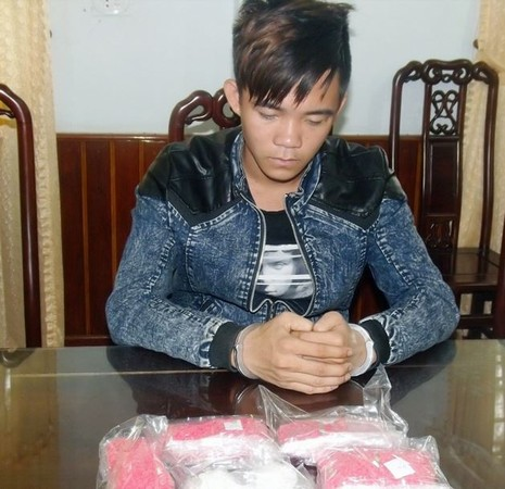 18 tuổi lái xe buôn hơn 9.000 viên thuốc lắc từ Lào về Việt Nam  - ảnh 1