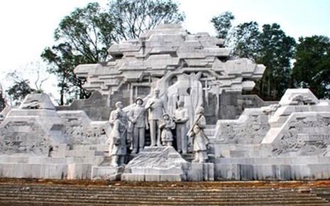Thủ tướng: Chỉ khởi công tượng đài Bác Hồ khi đủ điều kiện - ảnh 1
