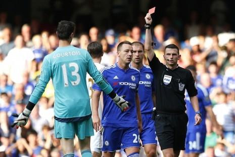 Chelsea kiện chiếc thẻ đỏ của Courtois - ảnh 1