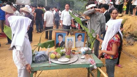 Thảm sát Yên Bái: Tang thương đám tang 3 cỗ quan tài - ảnh 1