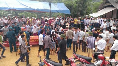 Thảm sát Yên Bái: Tang thương đám tang 3 cỗ quan tài - ảnh 2