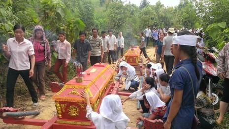 Thảm sát Yên Bái: Tang thương đám tang 3 cỗ quan tài - ảnh 4