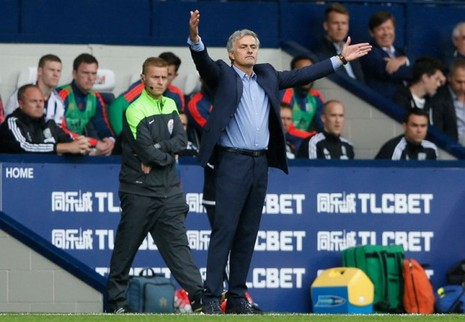 HLV Mourinho: Nếu rảnh, chúng tôi sẽ kiện! - ảnh 1