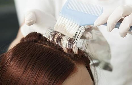 4 sản phẩm chăm sóc tóc không nên dùng ở tuổi trung niên - ảnh 2