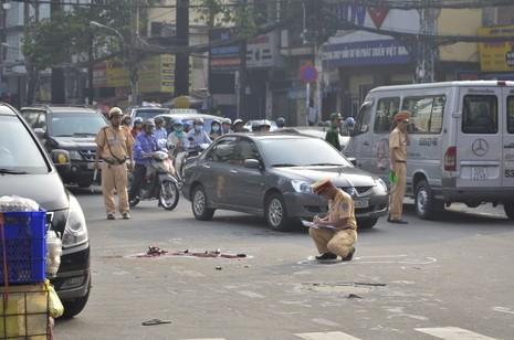 3 vụ tai nạn liên tiếp tại ngã tư, giao thông hỗn loạn - ảnh 3