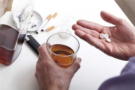 6 cặp thuốc, thực phẩm tuyệt đối không dùng chung - ảnh 2