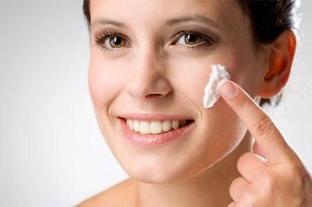 8 cách ngăn ngừa tróc da vào mùa lạnh - ảnh 1
