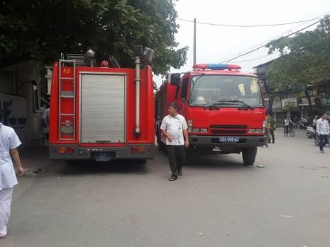 Cháy tại BV Lão Trung ương, bệnh nhân tháo chạy - ảnh 1