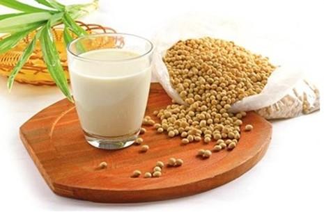 Ai không nên uống sữa đậu nành? - ảnh 1