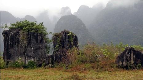 Đoàn làm phim 'King Kong' vất vả dưới mưa rừng nhiệt đới - ảnh 9