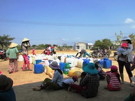 Đem nước sạch về vùng hạn Ninh Thuận - ảnh 1