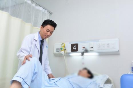 Báo động: Ung thư trực tràng ngày càng trẻ hóa - ảnh 1
