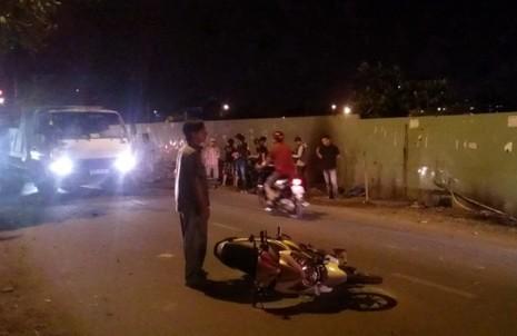 Truy bắt nhóm cướp đêm ở cầu vượt Quang Trung  - ảnh 1