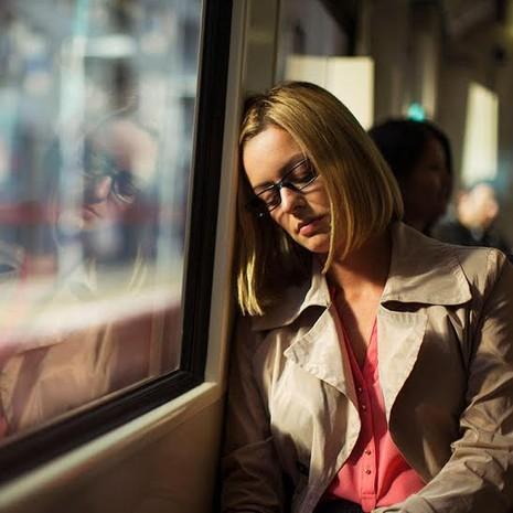 6 thói quen buổi sáng khiến bạn mệt mỏi cả ngày - ảnh 3