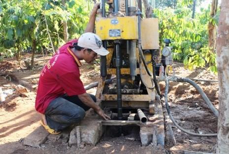 Đắk Lắk trích ngân sách khoan giếng giúp dân chống hạn - ảnh 1