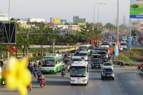 Ngày cuối nghỉ lễ, giao thông Sài Gòn thông thoáng - ảnh 1