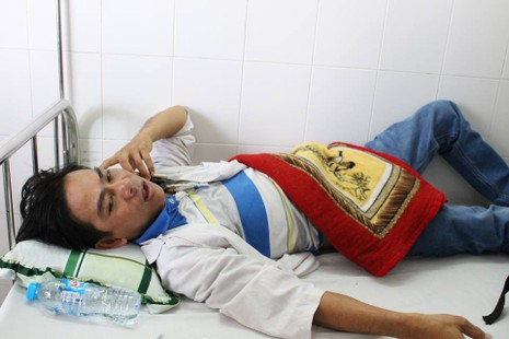 Bệnh nhân 'tố' bị bảo vệ bệnh viện đánh, chích điện - ảnh 1