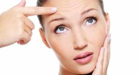 Ít vận động, căng thẳng, phơi nắng quá nhiều... đều là nguyên nhân gây lão hóa da sớm.