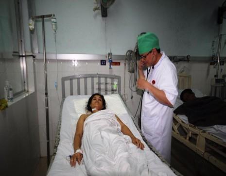 Bệnh nhân bị chứng thoát quản mô toàn thân đang điều trị tại bệnh viện.