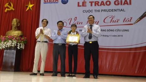 Giải nhất khối 6-7 thuộc về em Đỗ Thúy Quỳnh học sinh Trường THCS Lê Hồng Phong (Sóc Trăng). Ảnh: N.NAM