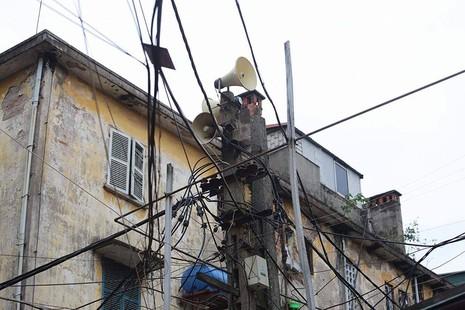 Chủ tịch Hà Nội: Loa phường 1 năm ngốn vài trăm triệu - ảnh 2