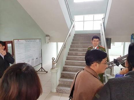 Chính quyền tổ chức họp kín vụ đóng cửa chợ Bát Tràng - ảnh 1