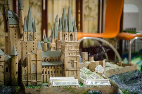 9x 'xây' trường Hogwarts đẹp từng milimet - ảnh 5