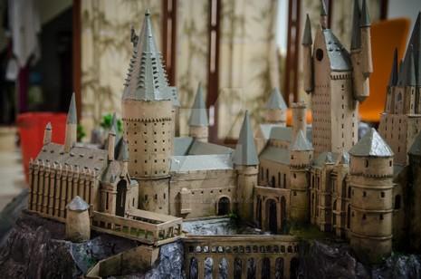 9x 'xây' trường Hogwarts đẹp từng milimet - ảnh 7