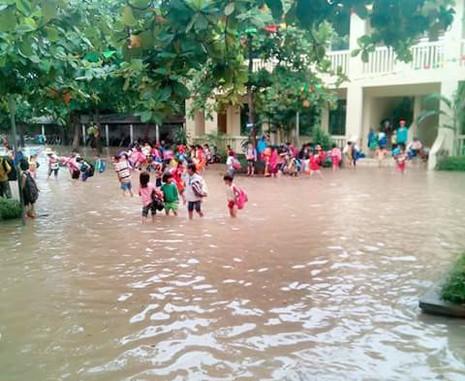 Ba học sinh bị nước cuốn, một em đang mất tích - ảnh 1