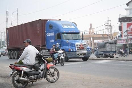 Long An: Nhiều lái xe 'lờ' lệnh cấm - ảnh 2