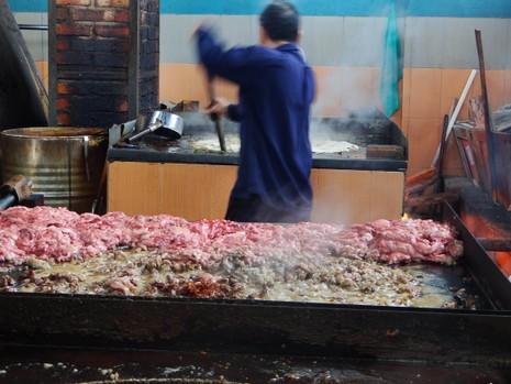 Thịt gà thành… chà bông heo - ảnh 3