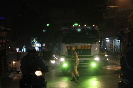 Tăng cường xử phạt xe tải đi vào giờ cấm - ảnh 1
