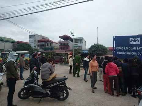 Thai phụ chở mẹ chồng bị tàu lửa cán tử vong - ảnh 1