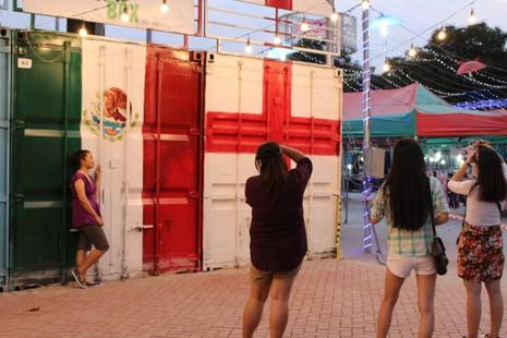 Độc đáo chợ làm từ thùng container ở Sài Gòn - ảnh 10