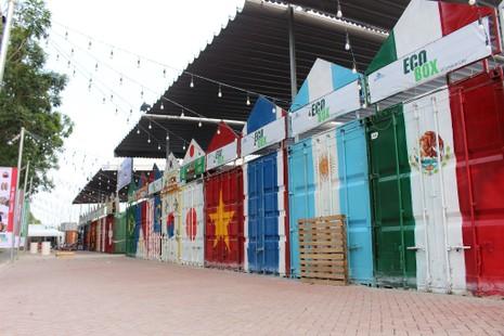 Độc đáo chợ làm từ thùng container ở Sài Gòn - ảnh 1