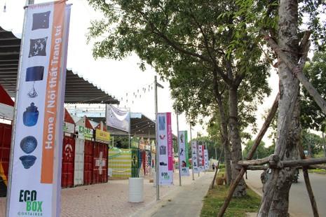 Độc đáo chợ làm từ thùng container ở Sài Gòn - ảnh 2