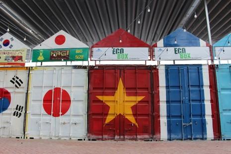 Độc đáo chợ làm từ thùng container ở Sài Gòn - ảnh 3