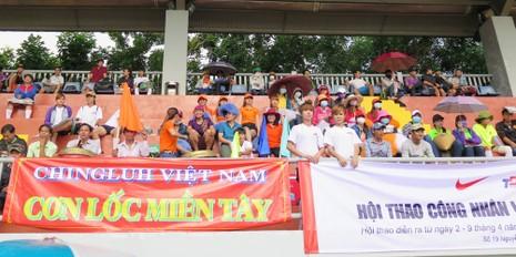 Vui nhộn giải bóng đá nữ công nhân viên chức - ảnh 11