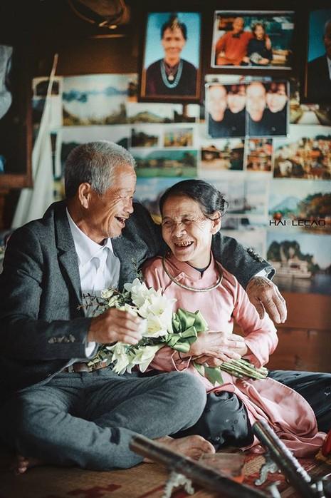 Bộ ảnh cưới của cặp vợ chồng già vớt xác ở sông Hồng - ảnh 3
