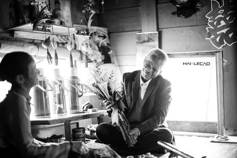 Bộ ảnh cưới của cặp vợ chồng già vớt xác ở sông Hồng - ảnh 7