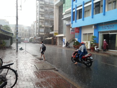 Long An có mưa chuyển mùa - ảnh 2