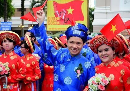 100 cặp đôi dự lễ cưới tập thể trong ngày Quốc khánh 2-9 - ảnh 1