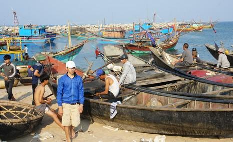 Chấn chỉnh việc cấp gạo hỗ trợ ngư dân tại Hà Tĩnh - ảnh 1
