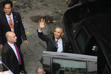 Chùm ảnh: Tổng thống Obama tham quan chùa Ngọc Hoàng - ảnh 7