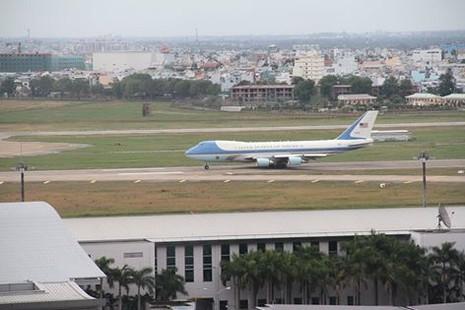 Chuyên cơ của Tổng thống Obama đã rời Việt Nam - ảnh 17