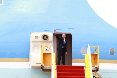 Chuyên cơ của Tổng thống Obama đã rời Việt Nam - ảnh 14