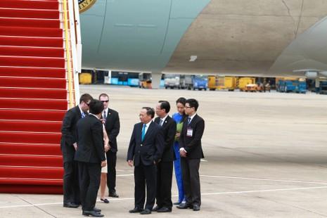 Chuyên cơ của Tổng thống Obama đã rời Việt Nam - ảnh 12