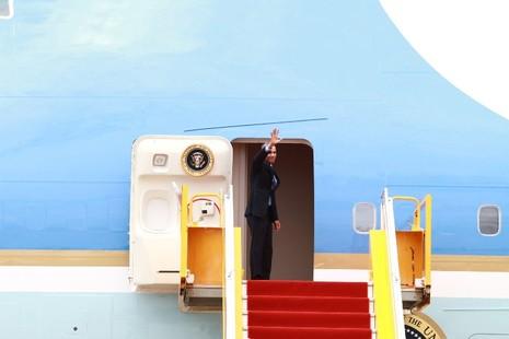 Chuyên cơ của Tổng thống Obama đã rời Việt Nam - ảnh 15