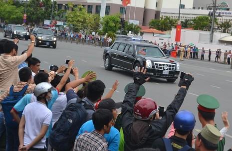 Chuyên cơ của Tổng thống Obama đã rời Việt Nam - ảnh 8